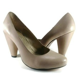 Seychelles Retro Tapered Neutral Pumps Anthro 6